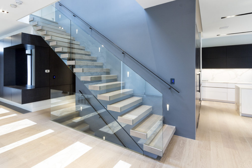 Gentil Wall Cantilevered / Box Steps / Blackened Steel Handrail
