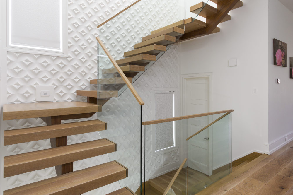 Merveilleux Mono Stringer / Wood Veneer Stringer / Box Steps / Box Landings / Top Mount  Handrail