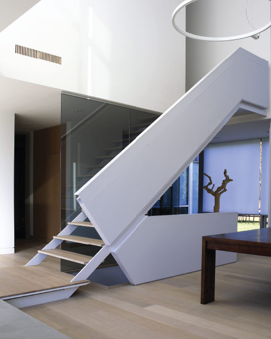 Side Stringers / Metal And Wood Steps / Extra Thin Steps / Floor To Ceiling  Glass